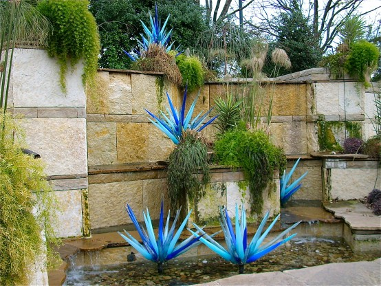 Chihuly  - Blue Icicles
