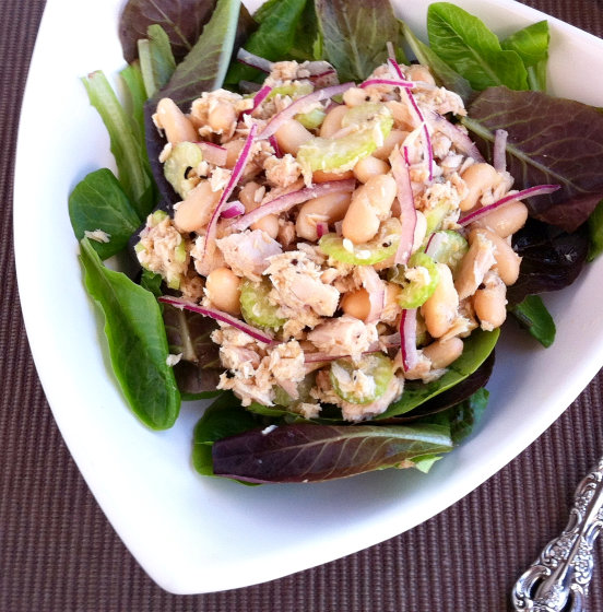 This white bean and tuna salad is a deliciously simple and healthy ...
