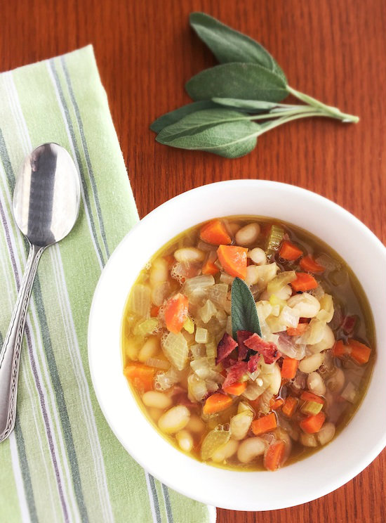 ... me craving a nice big bowl of this comforting Tuscan White Bean Soup