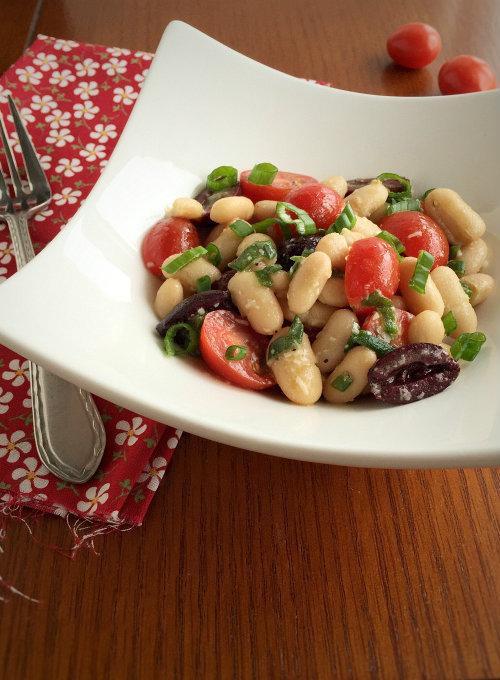 White Bean, Tomato and Kalamata Olive Salad